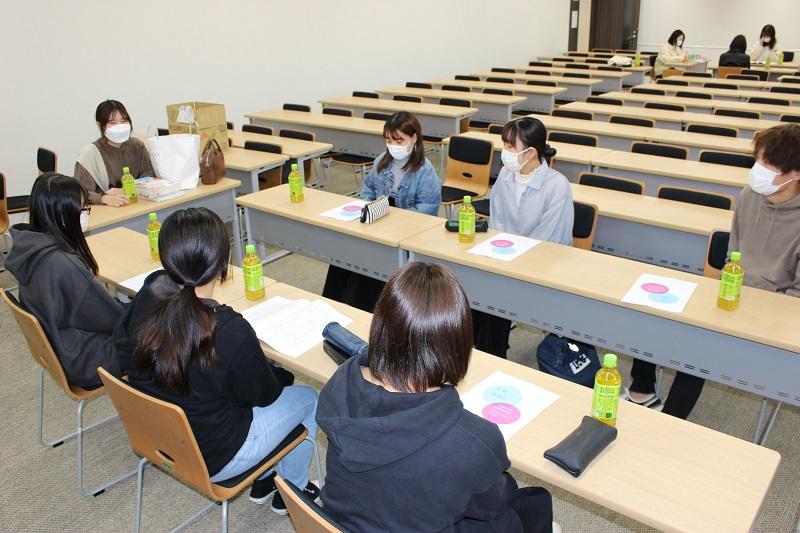 看護学科卒業生との交流会開催される